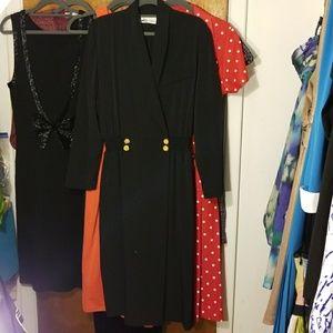 Dresses & Skirts - Vintage Shawl Collar Wrap Dress